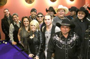 Tejanos unite for hunger awareness project